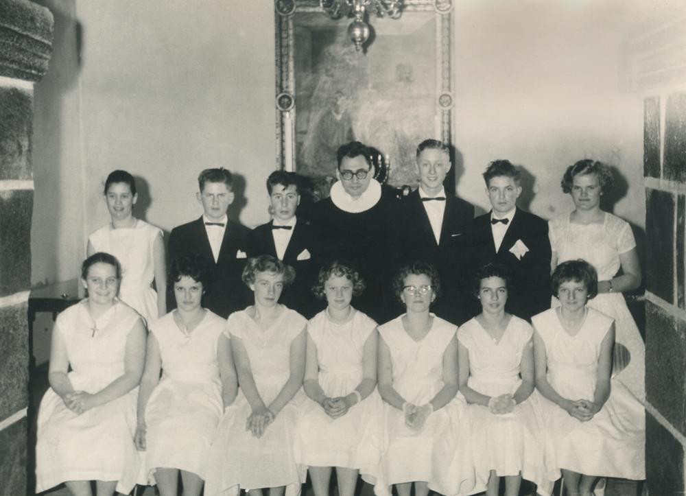 1960 - Konfirmander i Læsten Kirke - klik på billedet for navne