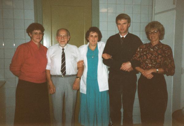 1989 - Klassegensyn i Læsten Forsamlingshus - klik på billedet for navne