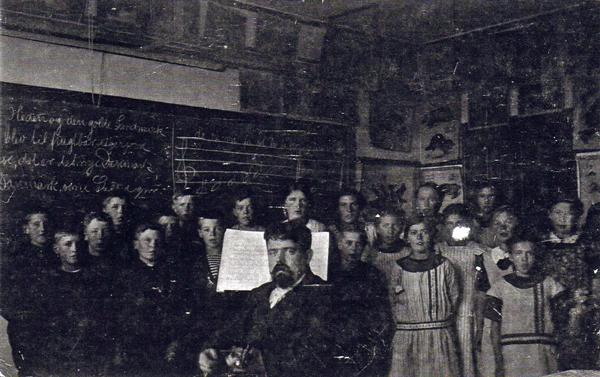 ca. 1916 - med Lærer Munch-Steensgaard