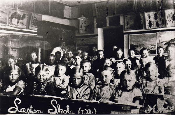 Ca. 1918 - navne ses nedenfor