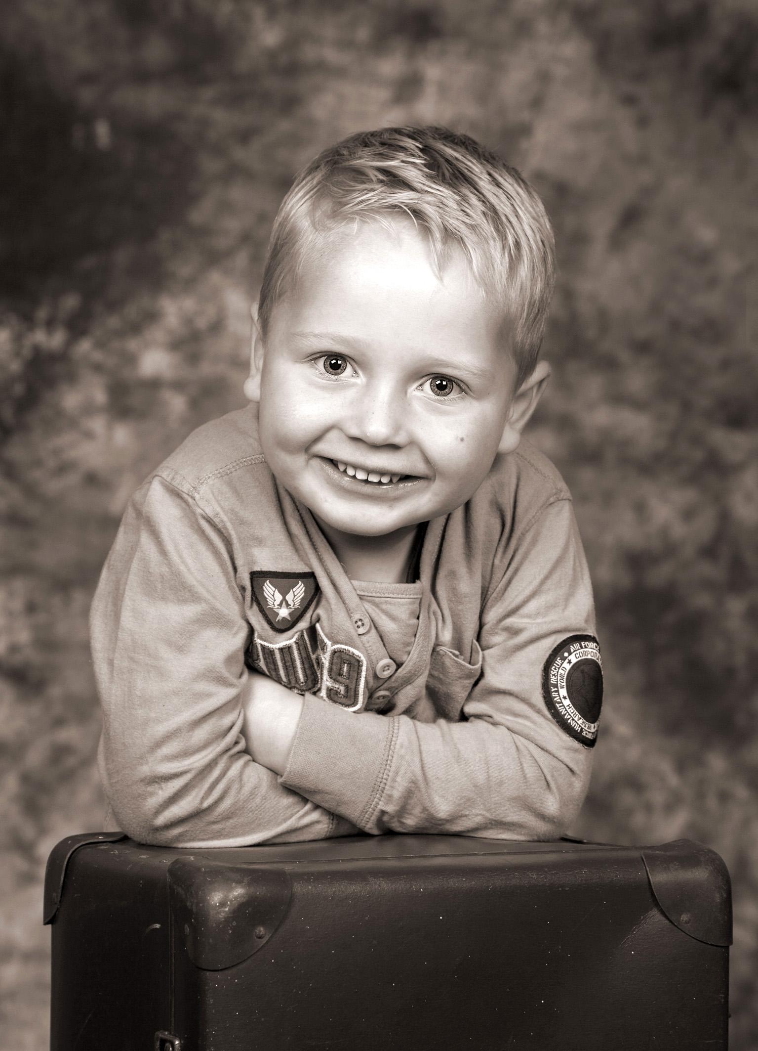 Børnefotografi - dreng - bruntonet